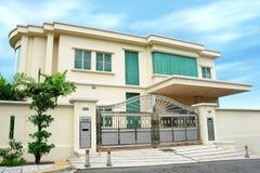 Modern groot huis royalty-vrije stock afbeelding