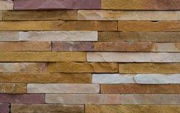 Modern grov tegelstentexturvägg, färgrik grov backg för tegelstenvägg fotografering för bildbyråer