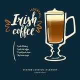 Modern hand dragen bokstäveretikett för irländskt kaffe för alkoholcoctail Royaltyfri Bild