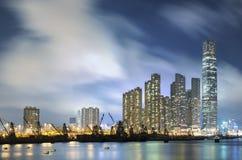 modern horisont för stad Arkivfoto