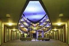Modern hotellkorridor Arkivfoto