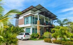 Free Modern House Stock Photo - 53787830