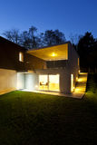 Modern house, outdoor by night Royalty Free Stock Images