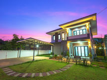 Modern house in twilight Royalty Free Stock Image