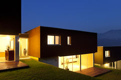 Modern houses by night Royalty Free Stock Photos
