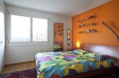 Modern huis, slaapkamer stock afbeeldingen