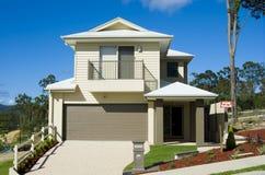 Modern Huis voor Verkoop Stock Foto's