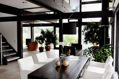 Modern huis, woonkamer Royalty-vrije Stock Fotografie