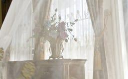 Modern huisbinnenland met meubilair Stock Foto