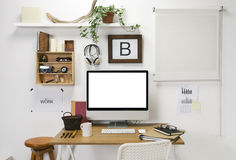 Modern idérik workspace. royaltyfria bilder