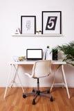 Modern idérik workspace royaltyfria bilder