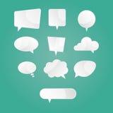 Modern illustration av vita anförandedialogbubblor Stock Illustrationer