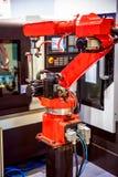 Modern industriell teknologi för Robotic arm royaltyfri foto