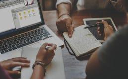Modern information om affär som delar arbetsbegrepp arkivfoton