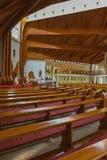 Modern inre av katolska kyrkan för helig ande av den Heviz staden royaltyfri fotografi