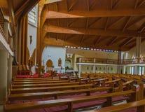 Modern inre av katolska kyrkan för helig ande av den Heviz staden Fotografering för Bildbyråer