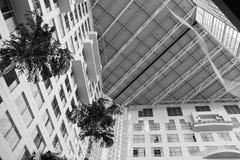 modern inre lobby för arkitekturhotell Arkivbilder