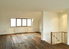 Modern interior med trägolvet Royaltyfri Foto
