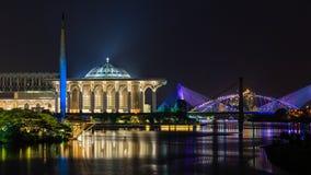 Modern islamisk moské Arkivfoto
