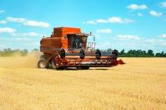 Modern jordbruks- utrustning arkivbilder