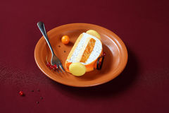 Modern jul Yule Log Cake royaltyfri bild