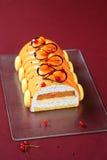 Modern jul Yule Log Cake arkivbilder