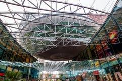 Modern köpcentrum Spazio i Zoetermeer, Nederländerna Arkivbilder
