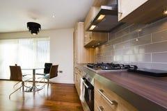 Modern keukenbinnenland Stock Afbeeldingen