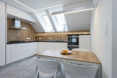 Modern keukenbinnenland Royalty-vrije Stock Foto's