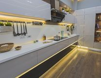 Free Modern Kitchen In A Luxury Apartment Royalty Free Stock Photo - 131250645