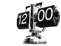 Modern klocka på tolv timmar nollminuter arkivbilder