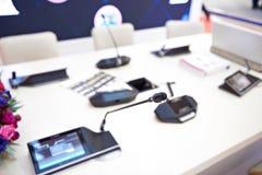 Modern kommunikationsutrustning för konferenser arkivfoton