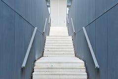 Modern konkret trappa Arkivfoto