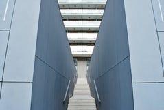 Modern konkret trappa Arkivbilder