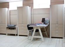 modern kontorsarbetsplats för chef Arkivbilder