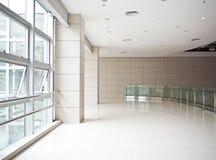 Modern kontorsbyggnad Arkivfoton