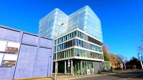 Modern kontorsbyggnad av det tjeckiska institutet av informatik, robotteknik och cybernetik CIIRC CTU i Prague stock video