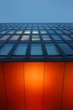 Modern kontorsbyggnad i 'det HafenCity' området av Hamburg Royaltyfri Foto