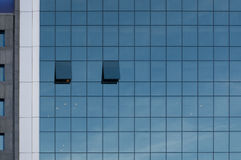 Modern kontorsbyggnadyttersida arkivfoton