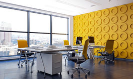 Modern kontorsinre med särdraggulingväggen Arkivfoto
