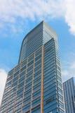 modern kontorssky för blå byggnad Royaltyfria Bilder