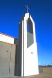 modern kyrktorn för kyrkligt kopparkors Royaltyfria Foton