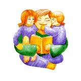 Modern läser en bok till två barn son och dotter hemma som ett begrepp av hem- utbildnings- eller bibelläsning Hemlagad tidsfördr stock illustrationer