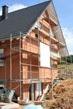 Modern losgemaakt huis in aanbouw Royalty-vrije Stock Afbeeldingen