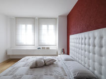 Modern and luxurious bedroom Royalty Free Stock Images