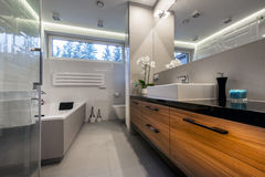 Modern luxury bathroom Royalty Free Stock Photos