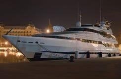 Modern yacht Fotografering för Bildbyråer