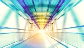 Modern metallstrukturbro i suddig bakgrund för hastighetsrörelse Arkivbild