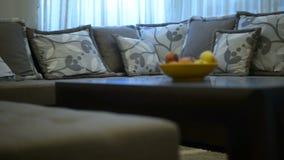Modern meubilair in de woonkamer stock video