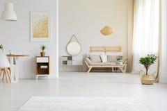 Modern meubilair in retro stijl royalty-vrije stock foto